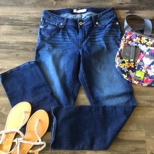 🦋 Levi's Curvy Straight Jeans